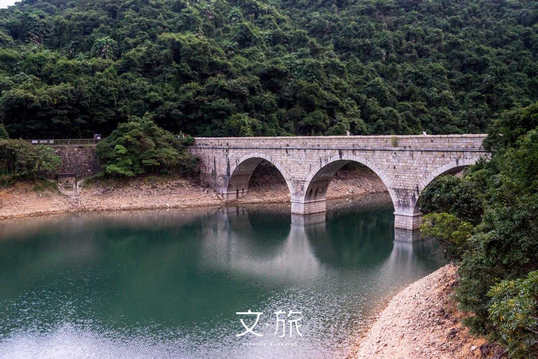 大潭篤水塘石橋是遊人駐足拍照留念的最佳地點。